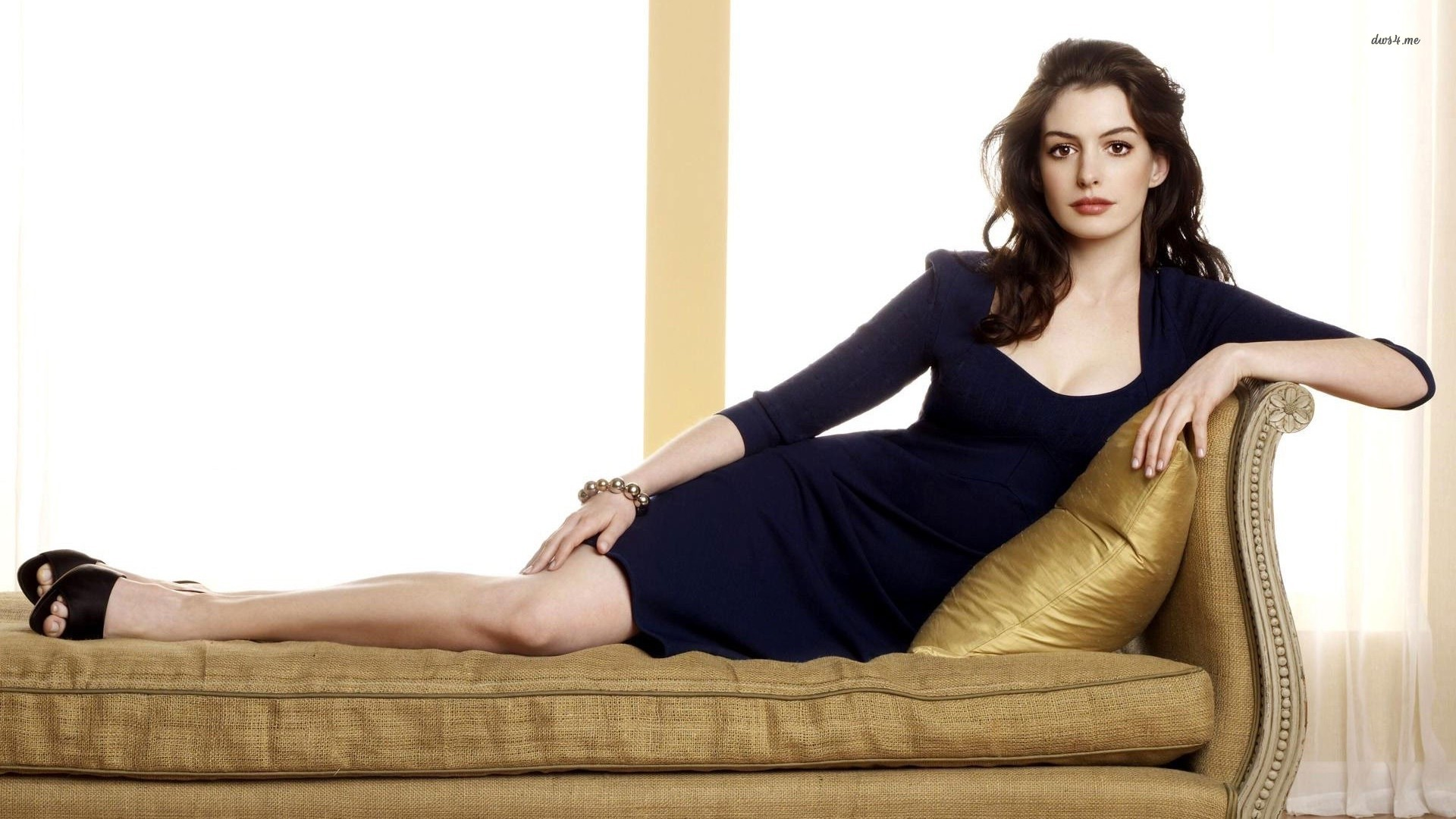 1920x1080 - Anne Hathaway Wallpapers 7