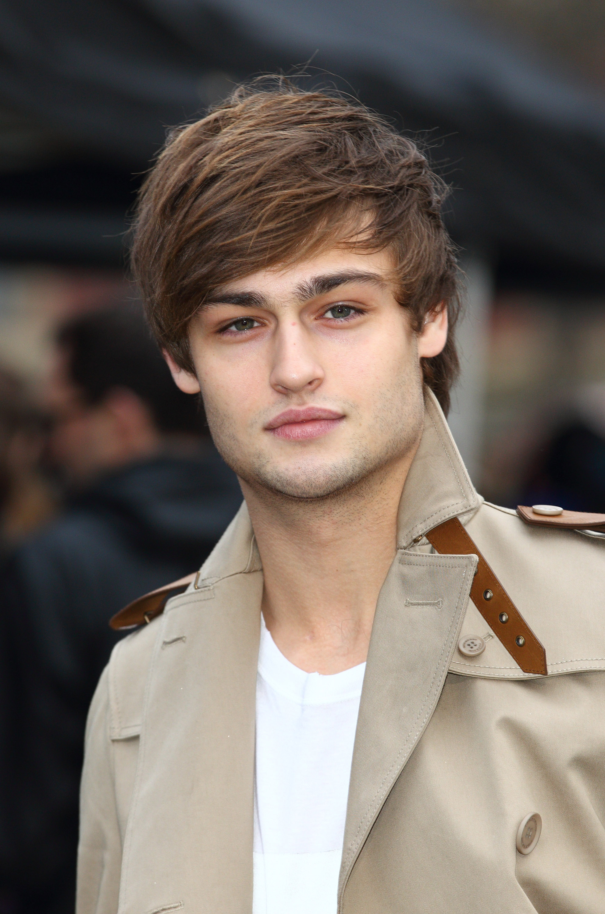 1985x3000 - Douglas Booth Wallpapers 21