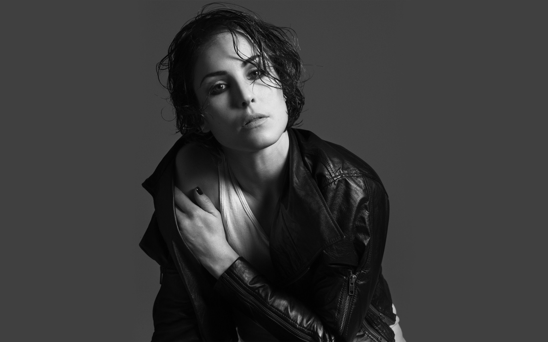 1920x1200 - Noomi Rapace Wallpapers 15
