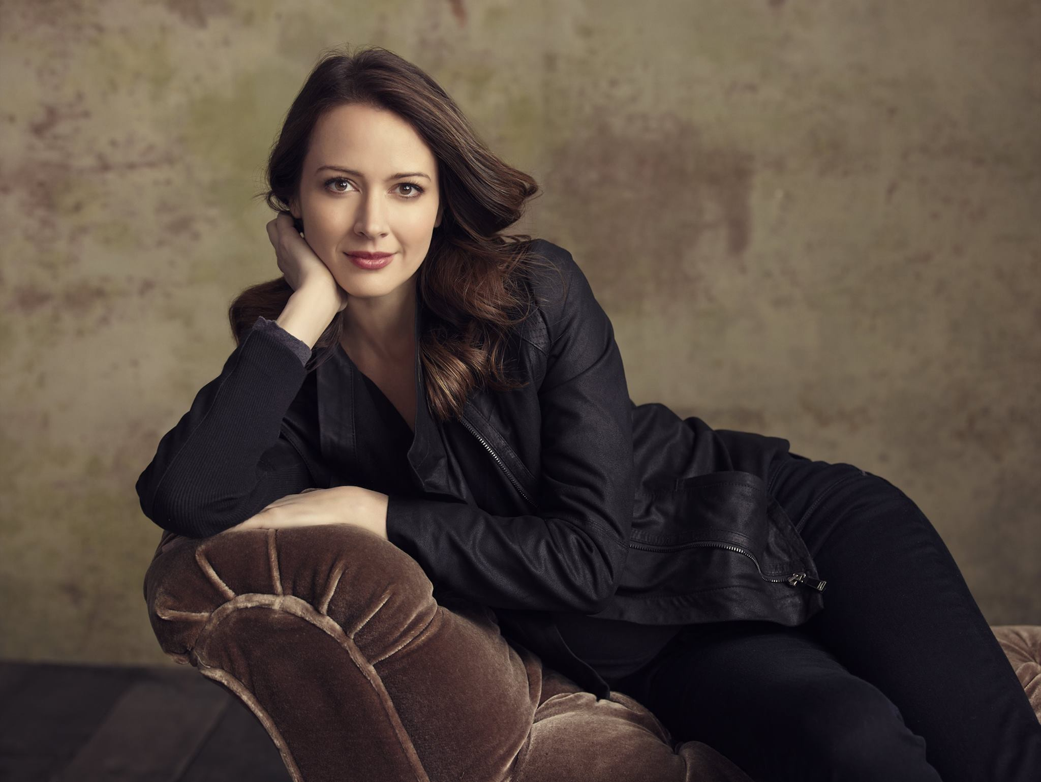 2048x1538 - Amy Acker Wallpapers 18