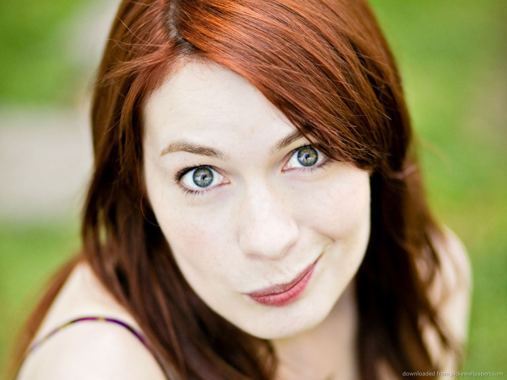 1024x768 - Felicia Day Wallpapers 8