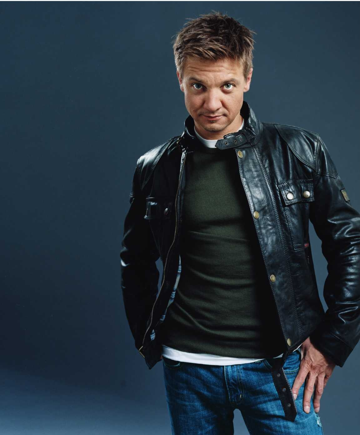 1152x1389 - Jeremy Renner Wallpapers 21