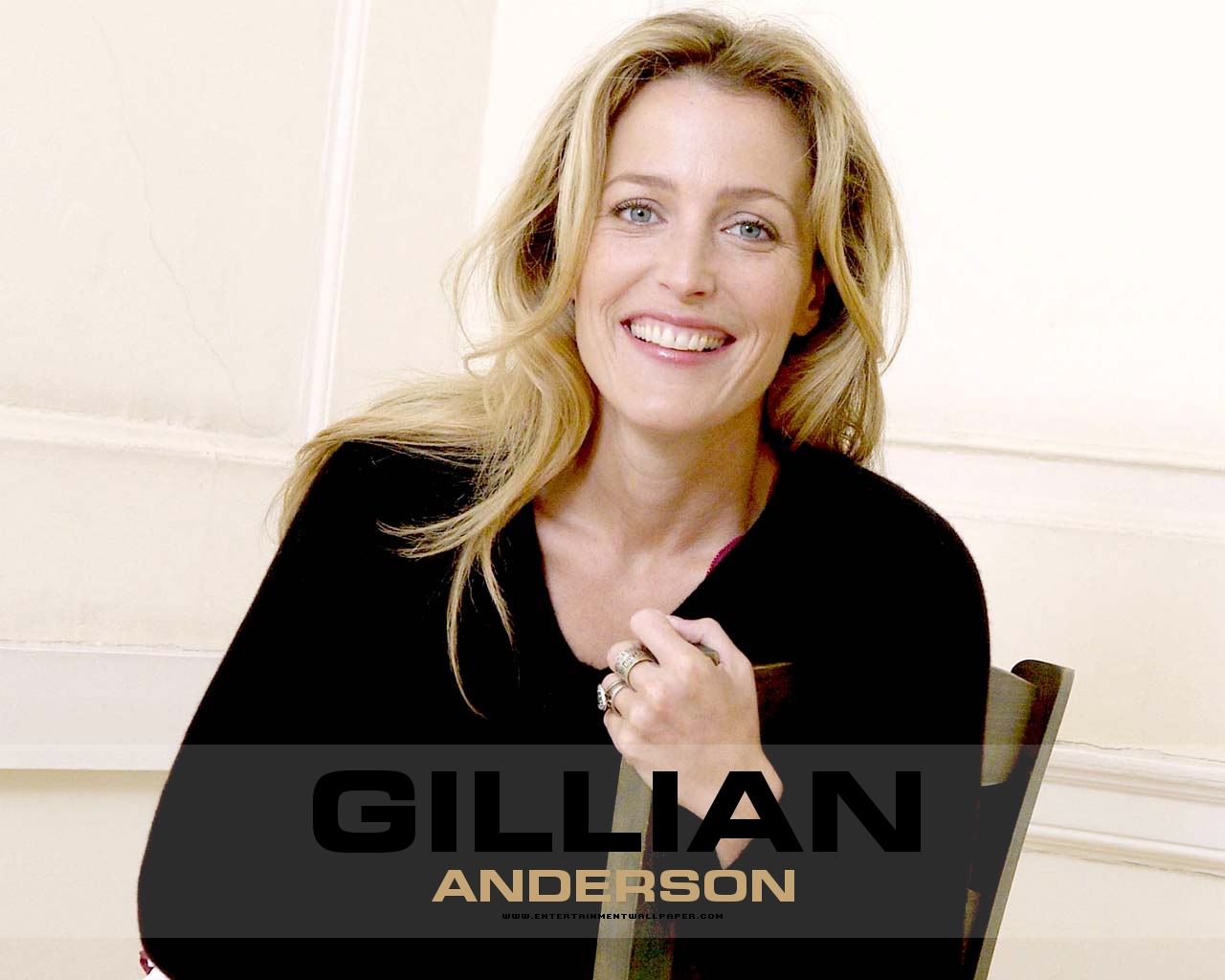 1280x1024 - Gillian Anderson Wallpapers 7