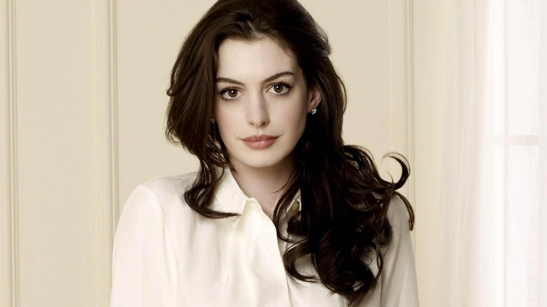 1920x1080 - Anne Hathaway Wallpapers 11