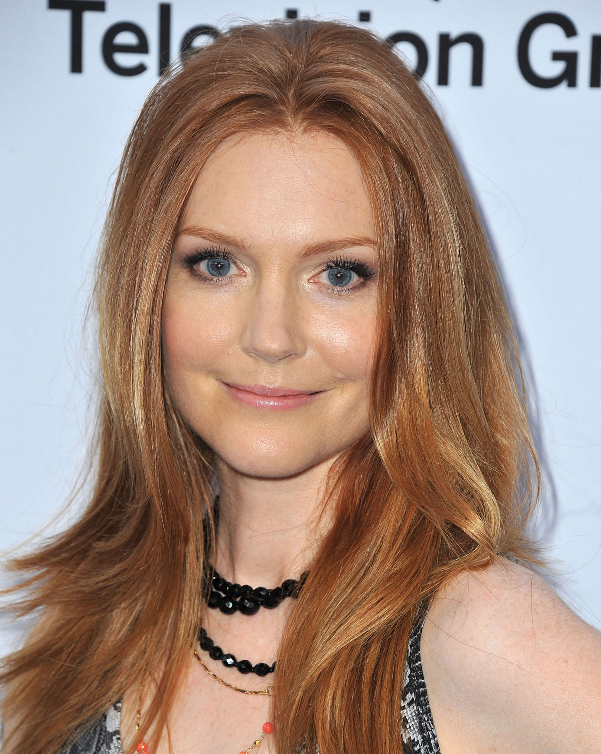 1200x1504 - Darby Stanchfield Wallpapers 21