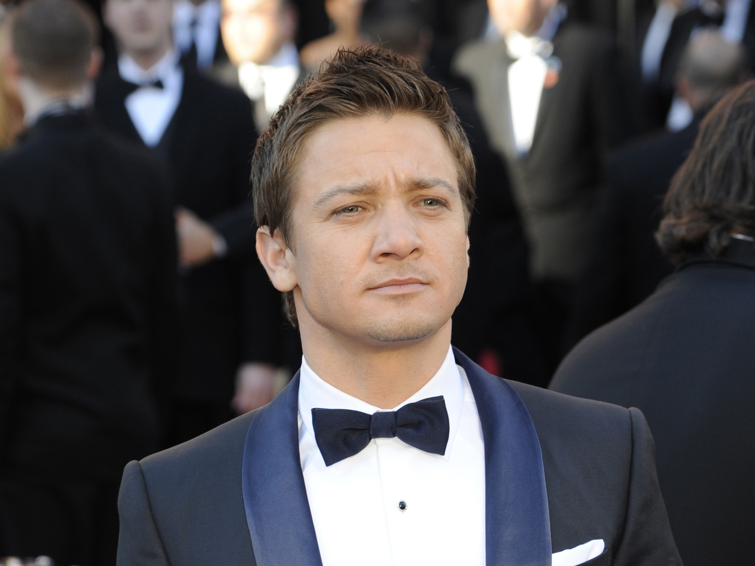2560x1920 - Jeremy Renner Wallpapers 32