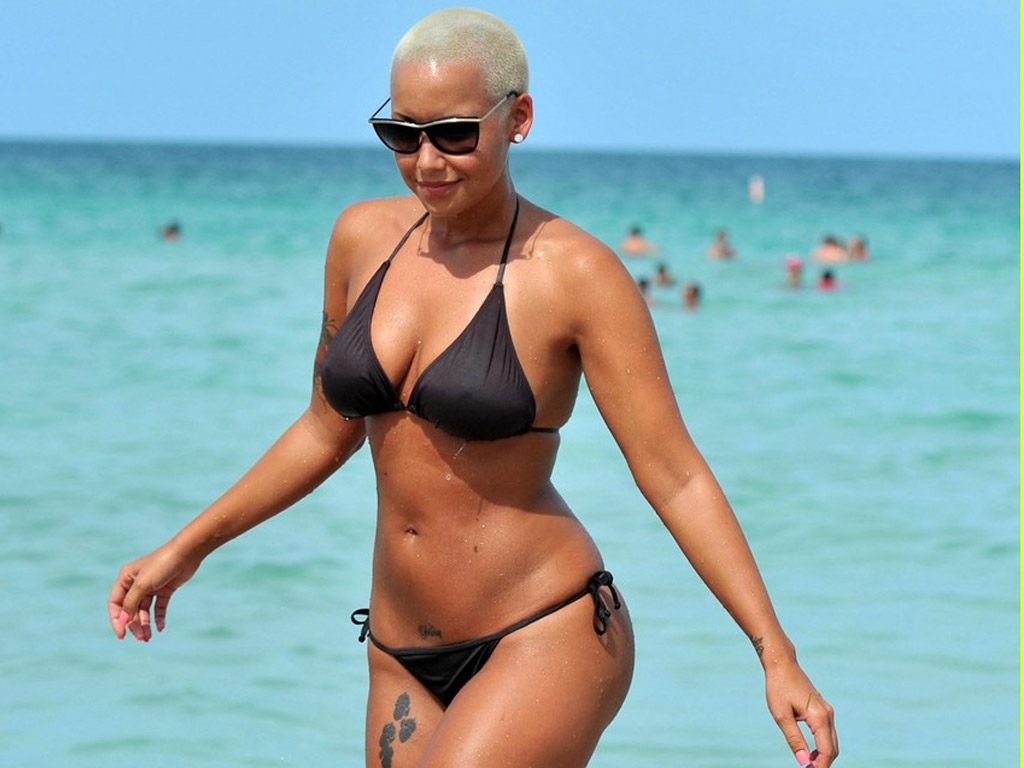 1024x768 - Amber Rose Wallpapers 2