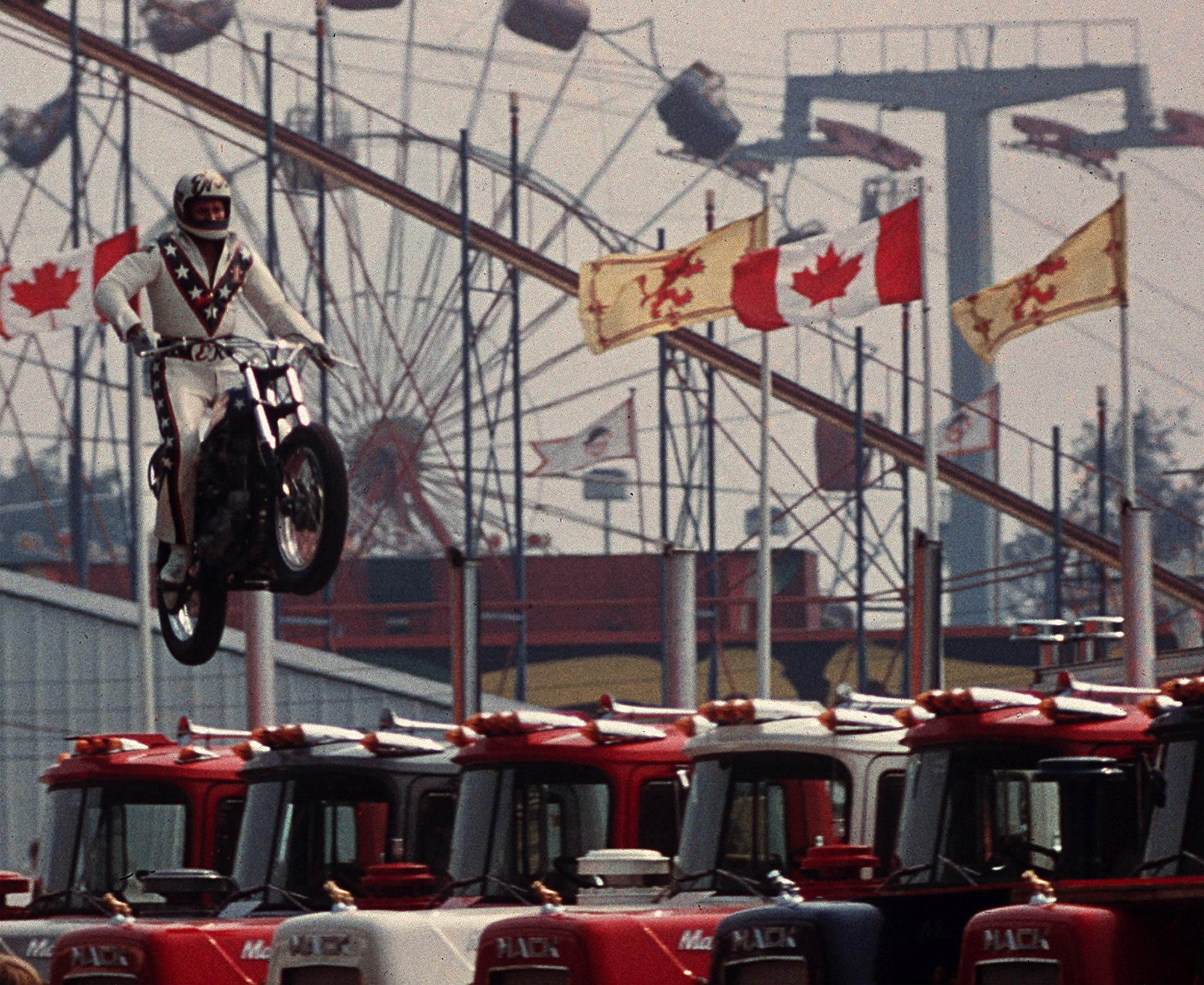 2000x1636 - Evel Knievel Wallpapers 12