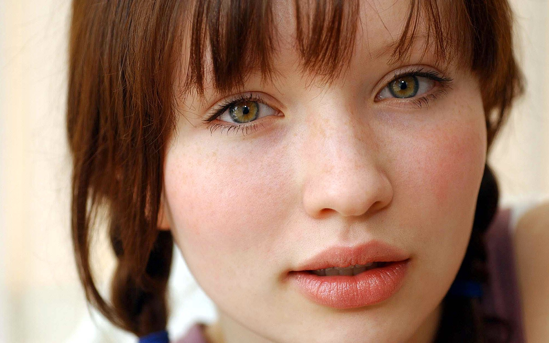 1920x1200 - Emily Browning Wallpapers 32