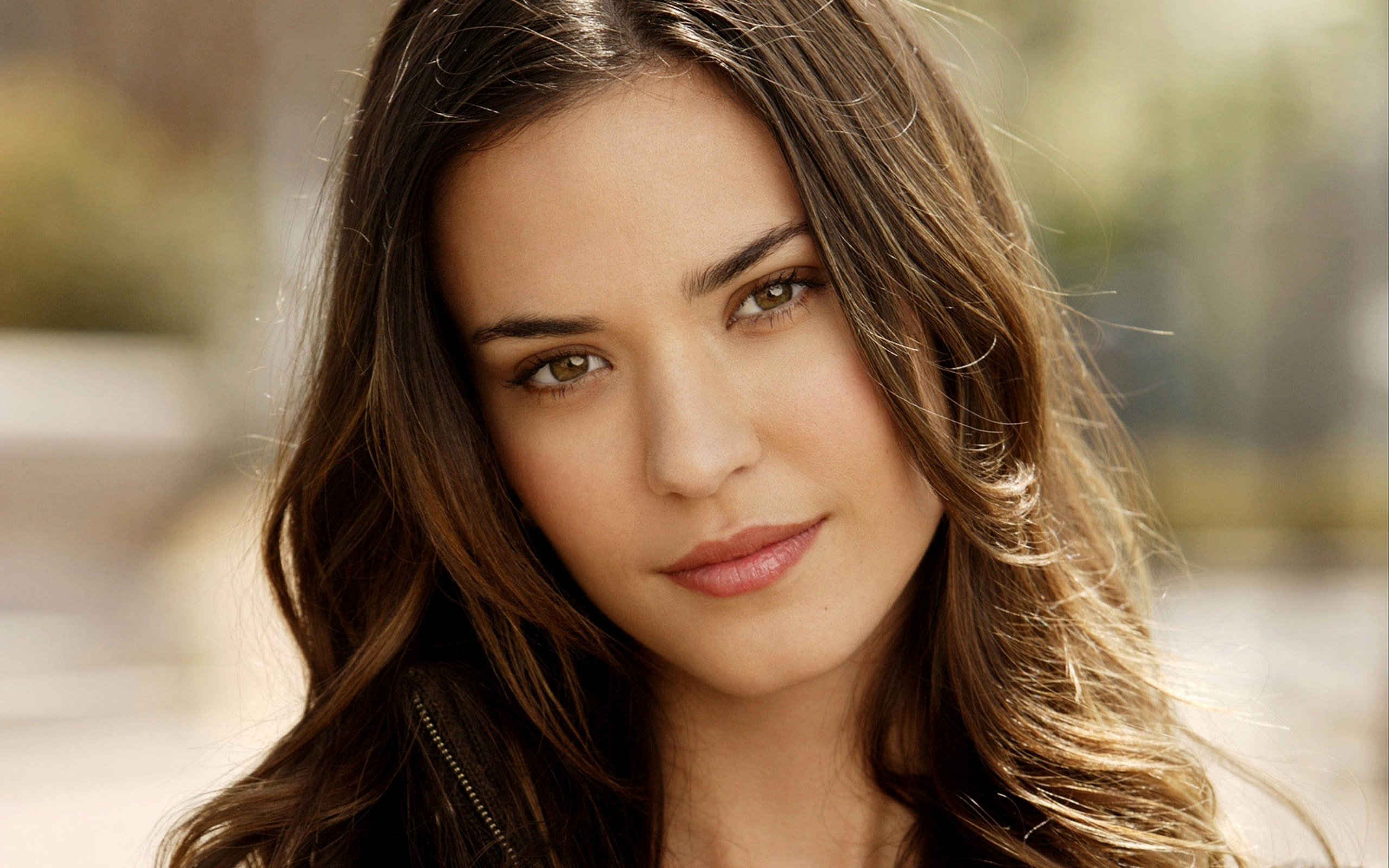2560x1600 - Odette Annable Wallpapers 33