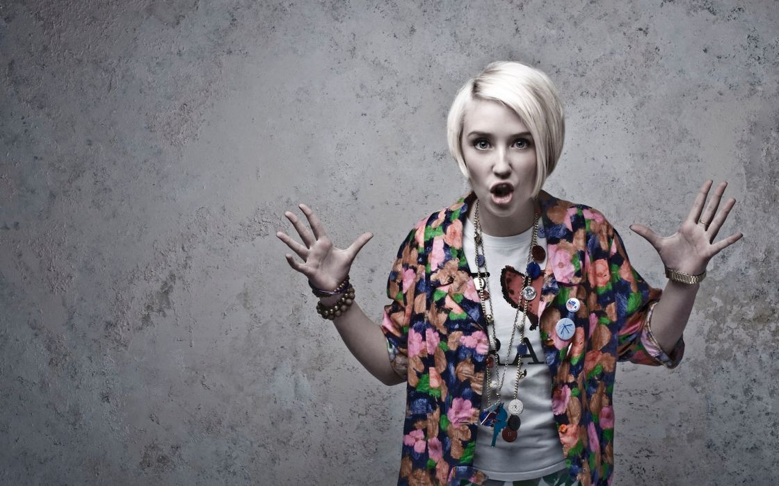 1120x700 - Lily Loveless Wallpapers 5