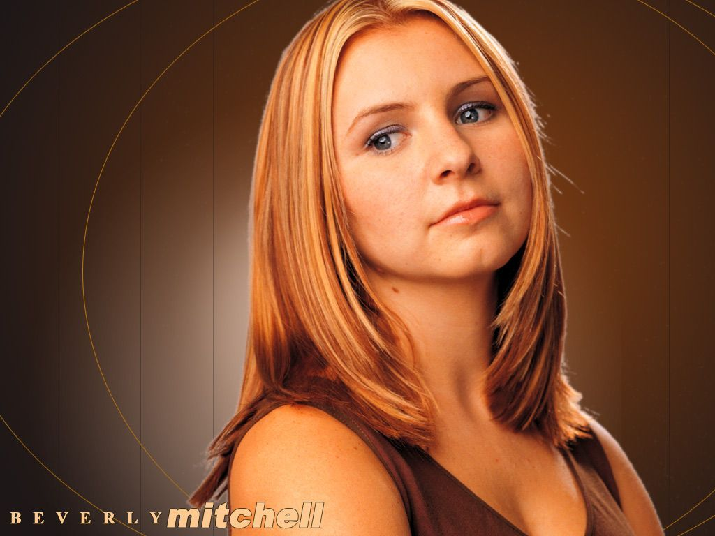 1024x768 - Beverley Mitchell Wallpapers 20
