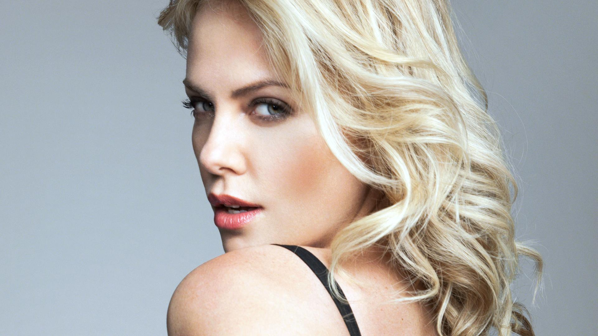 1920x1080 - Charlize Theron Wallpapers 28