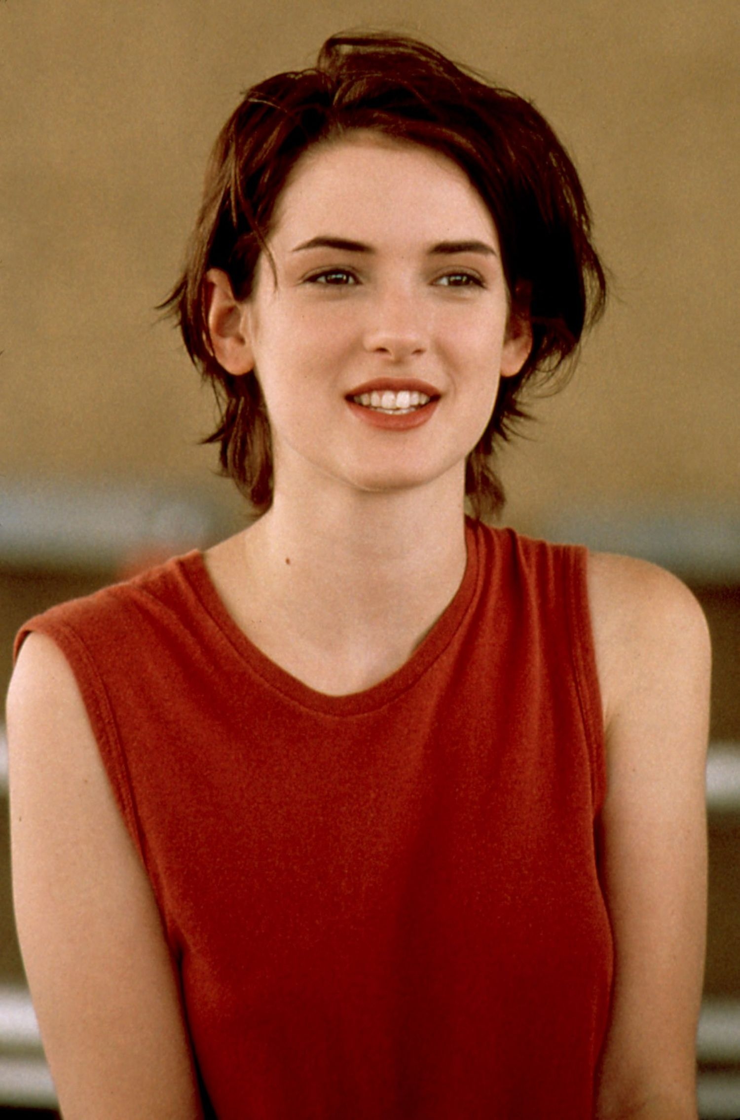 1500x2270 - Winona Ryder Wallpapers 17
