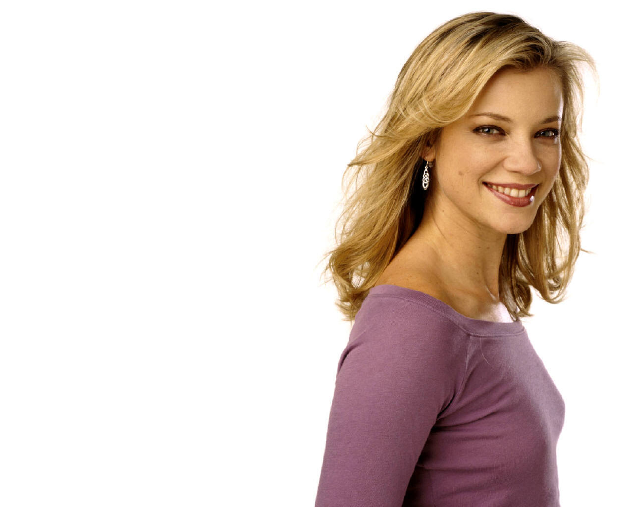 1280x1024 - Amy Smart Wallpapers 3
