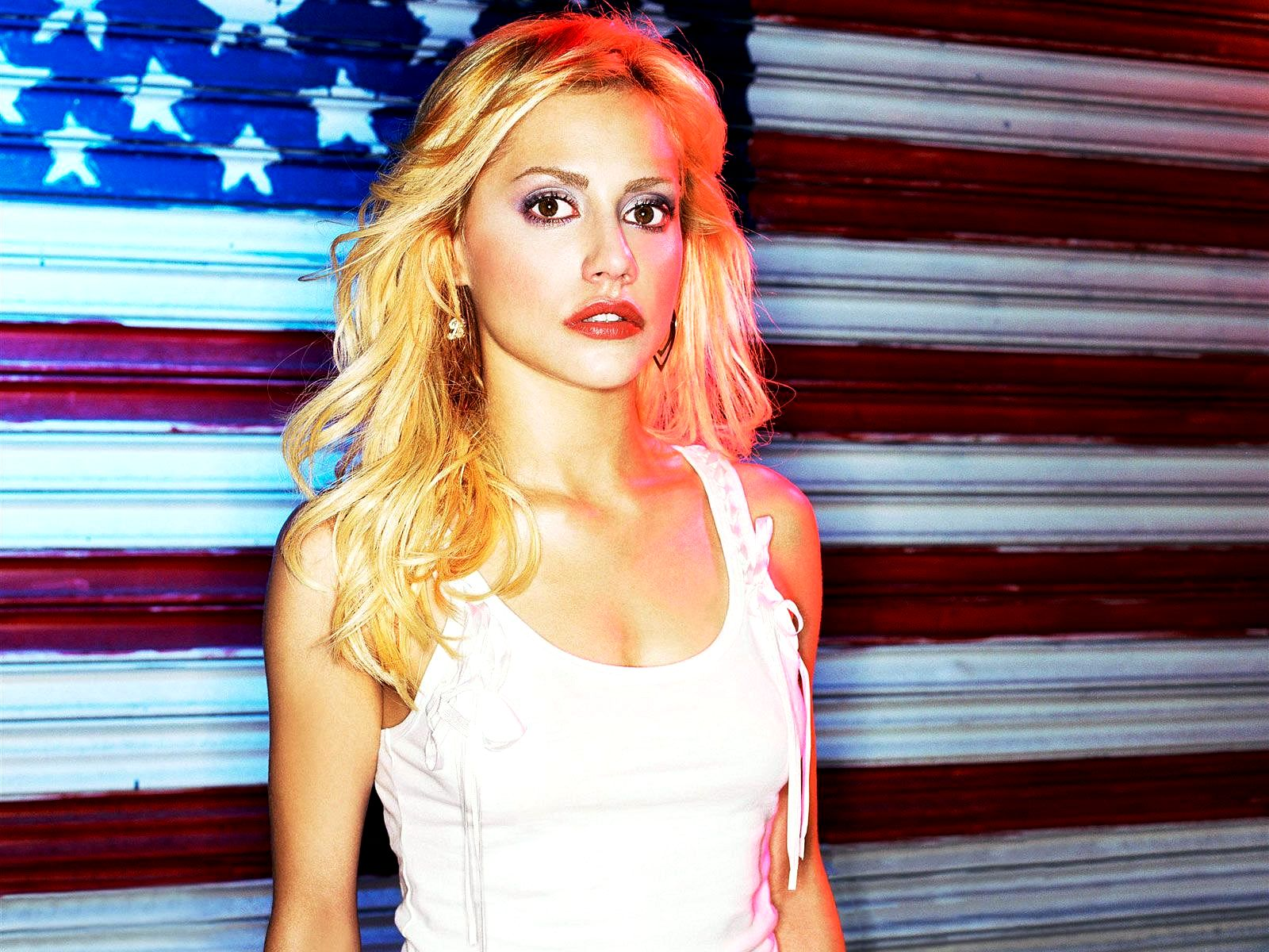 1600x1200 - Brittany Murphy Wallpapers 11