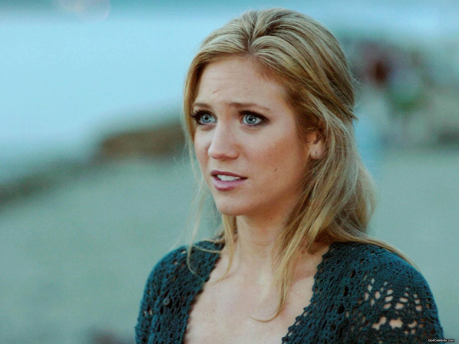 1600x1200 - Brittany Snow Wallpapers 30