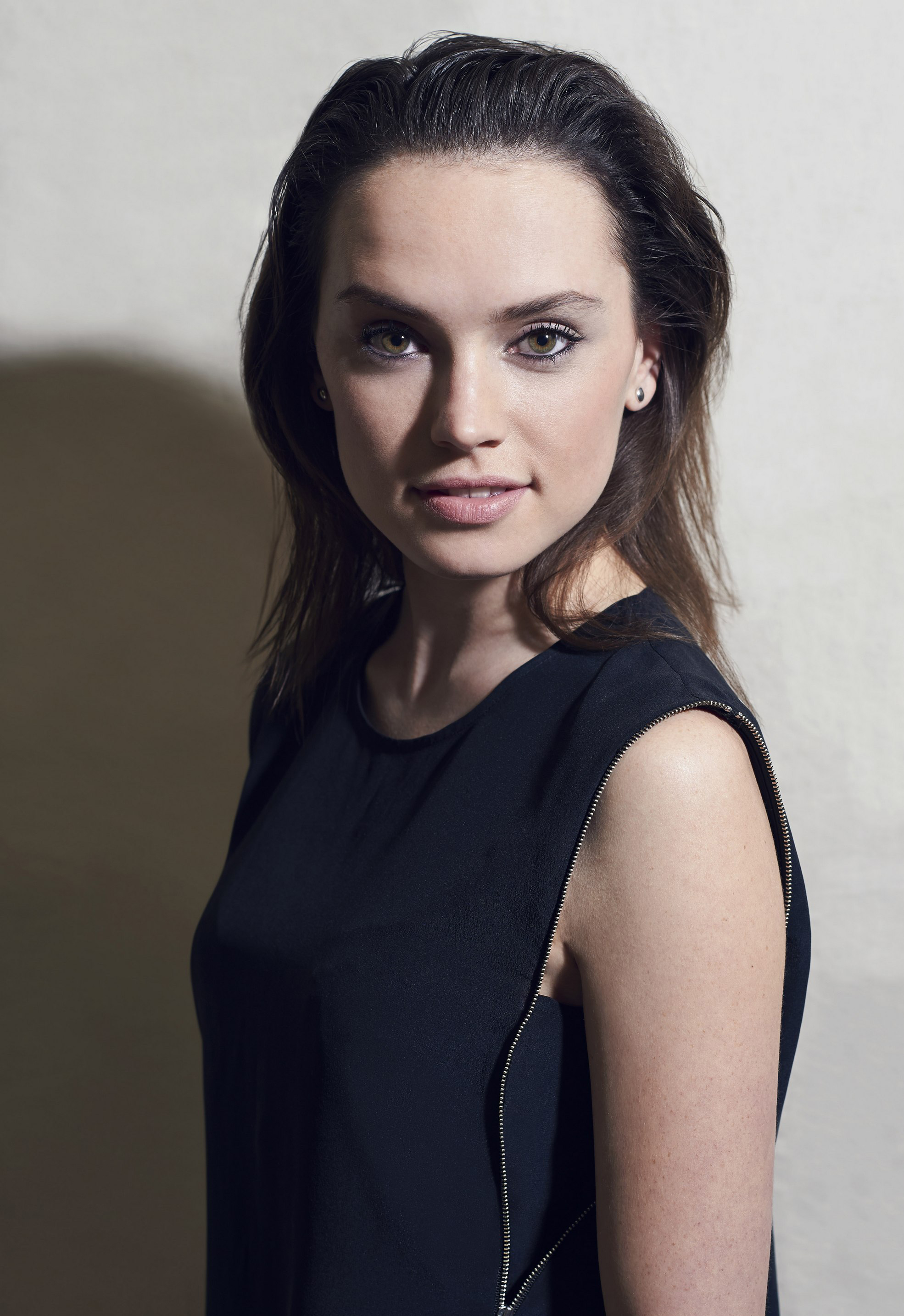 1970x2868 - Daisy Ridley Wallpapers 16