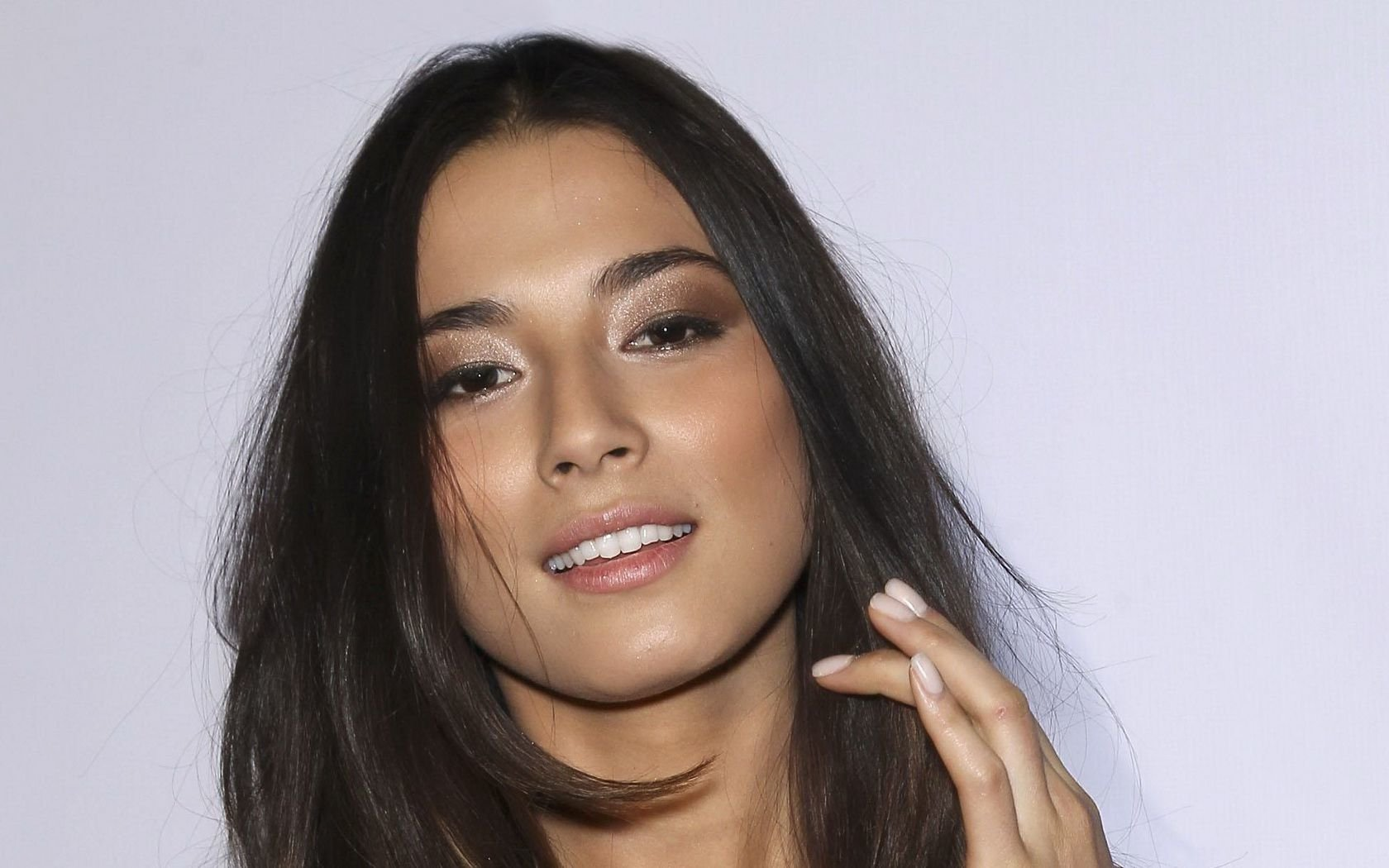 1680x1050 - Jessica Gomes Wallpapers 1