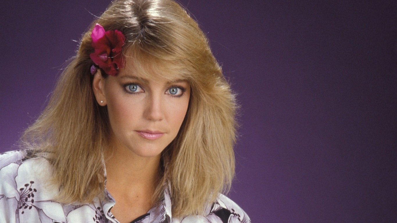 1366x768 - Heather Locklear Wallpapers 16