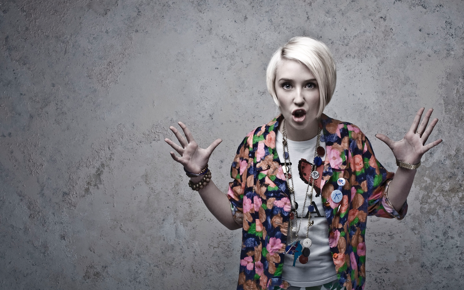 1920x1200 - Lily Loveless Wallpapers 3