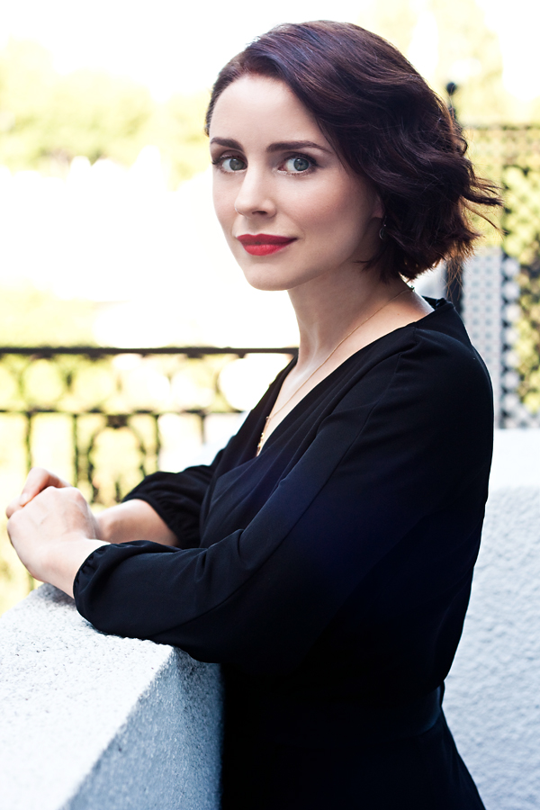 600x900 - Laura Fraser Wallpapers 12