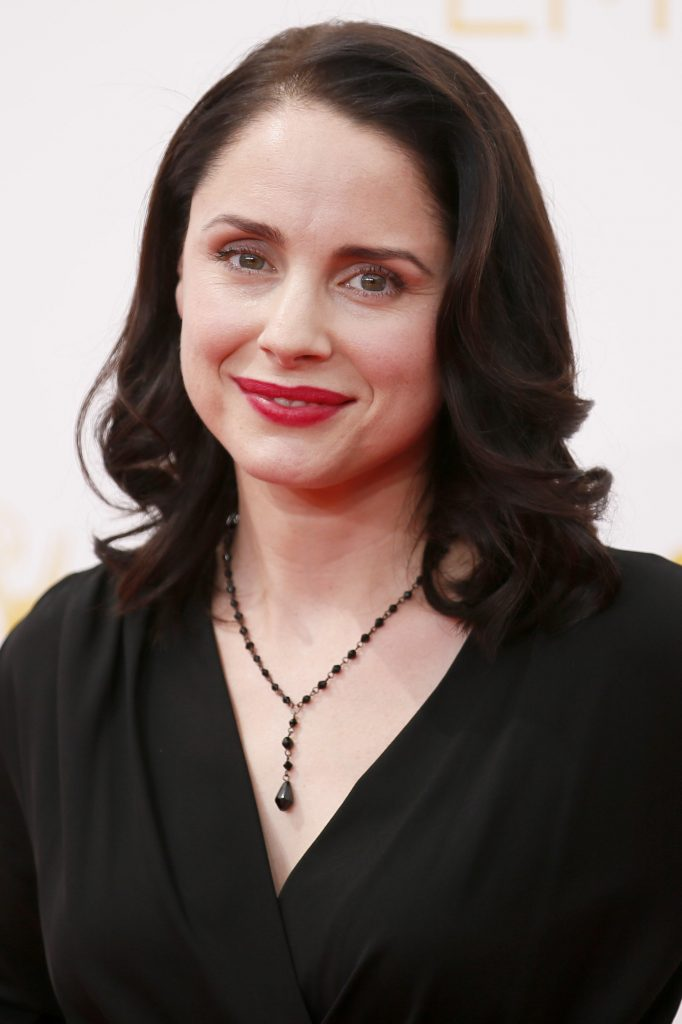 682x1024 - Laura Fraser Wallpapers 21