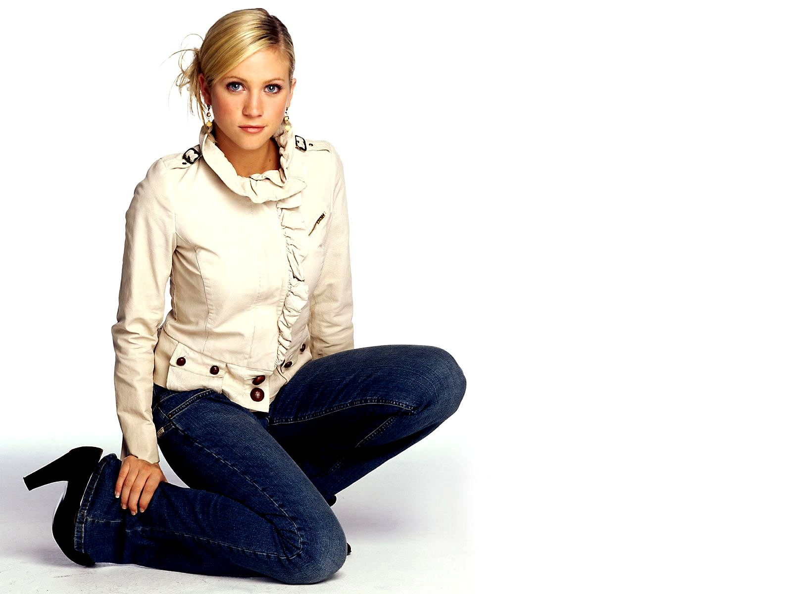 1600x1200 - Brittany Snow Wallpapers 26