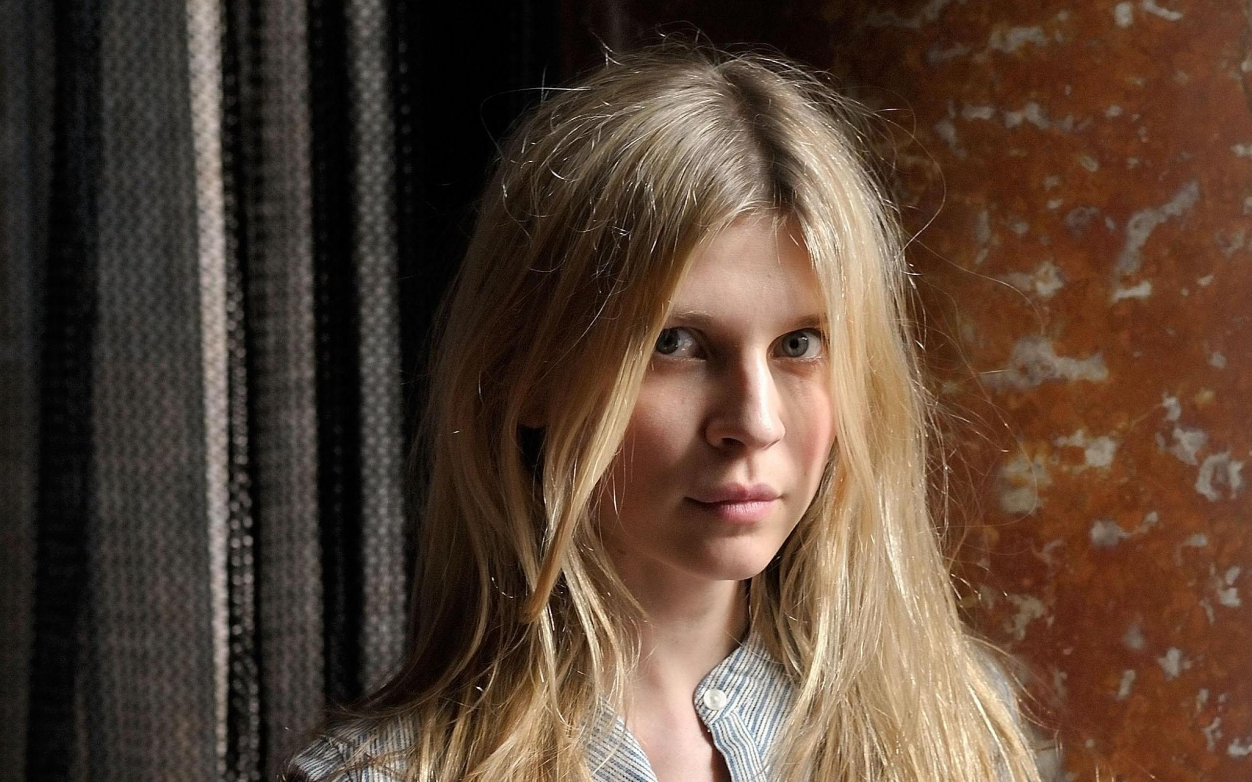 2560x1600 - Clemence Poesy Wallpapers 19