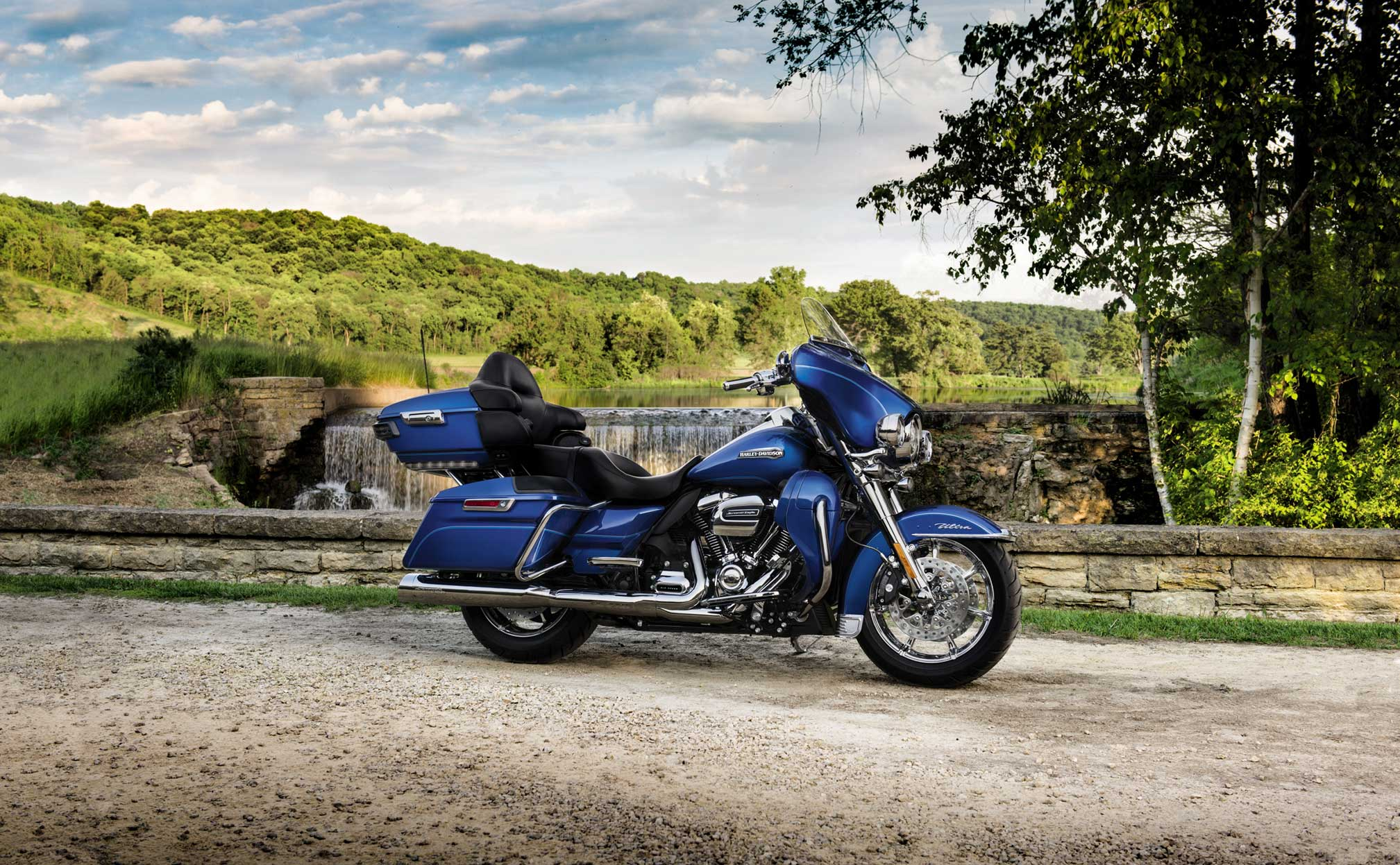 2017x1247 - Harley-Davidson Electra Glide Ultra Classic Wallpapers 21