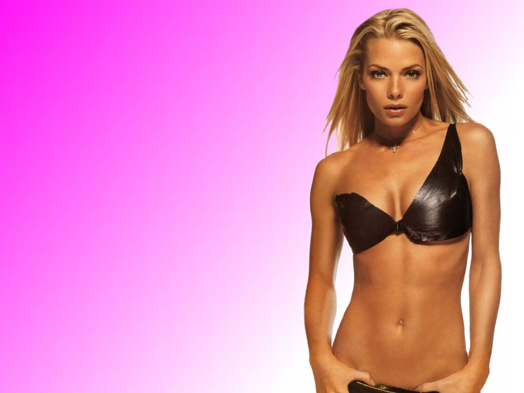 1024x768 - Jaime Pressly Wallpapers 16