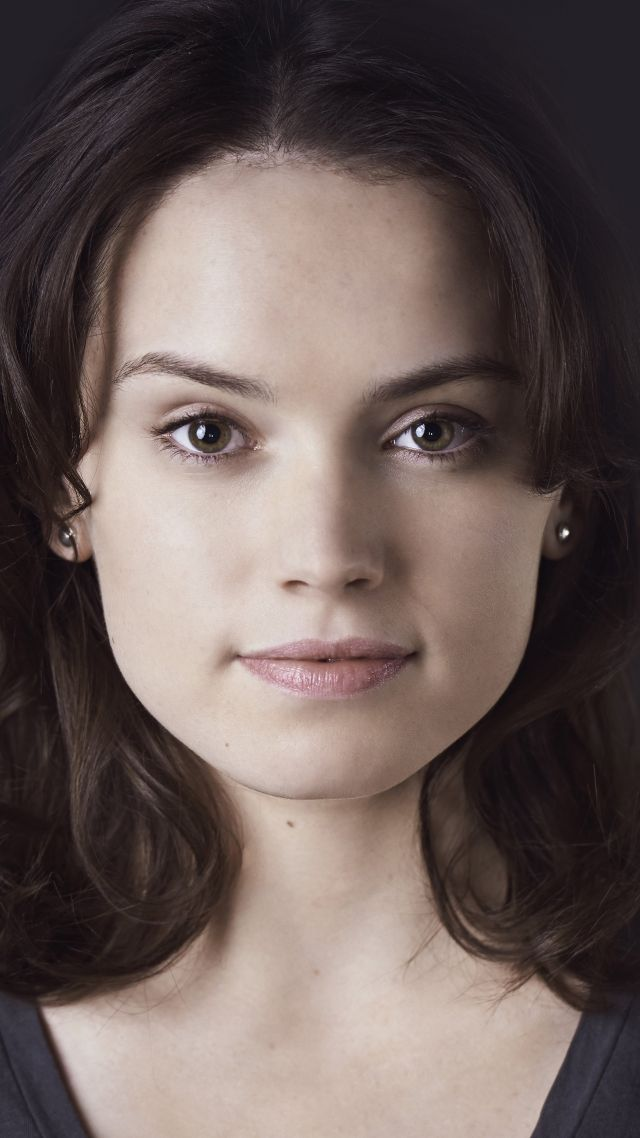 640x1138 - Daisy Ridley Wallpapers 19