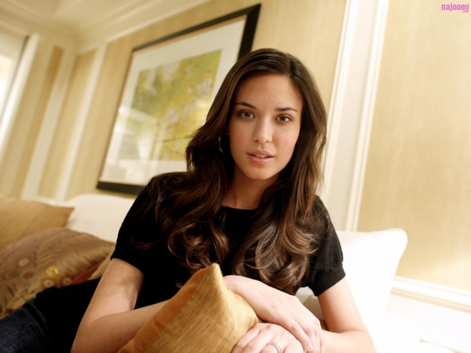 934x700 - Odette Annable Wallpapers 35