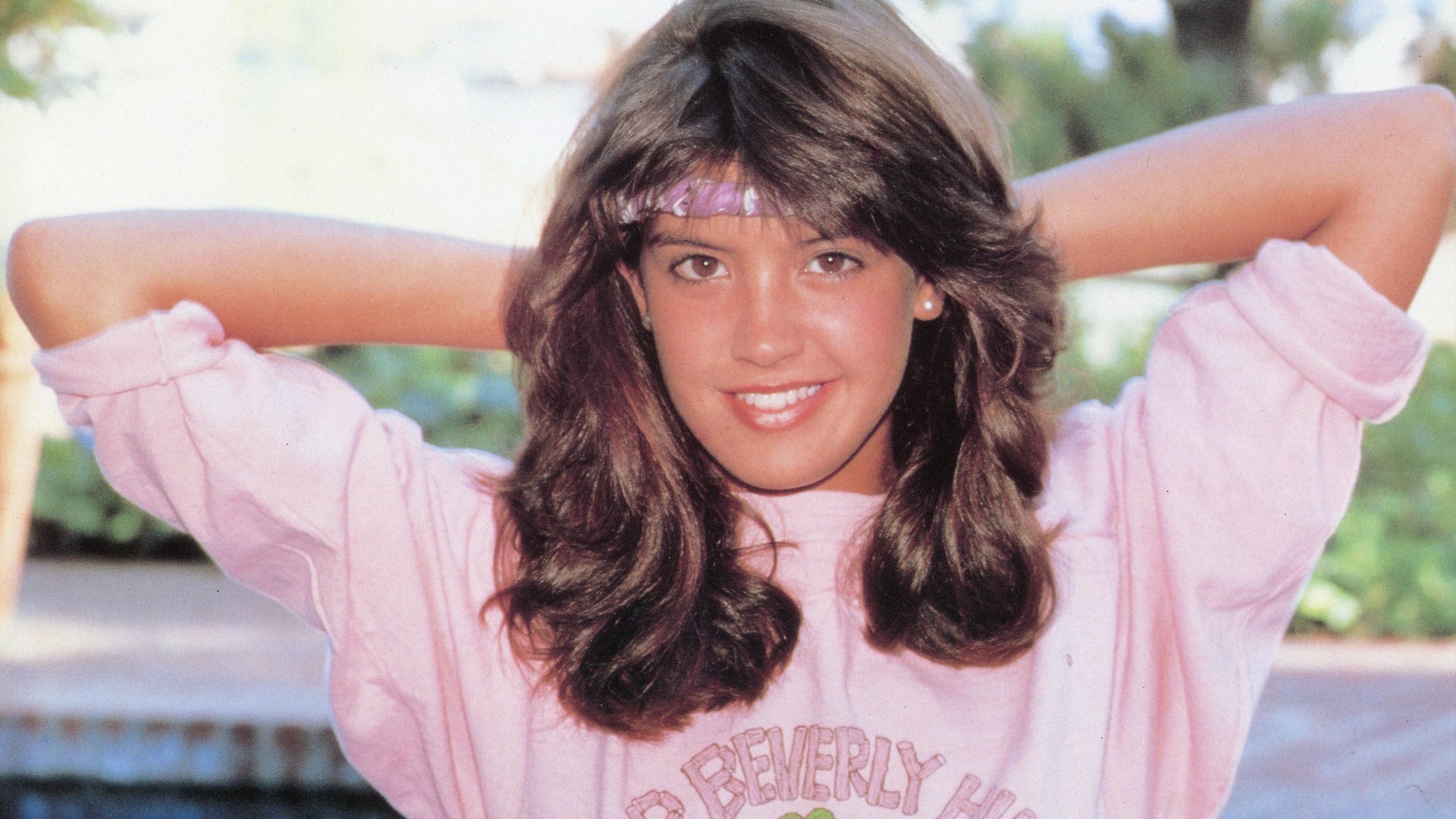 3000x1687 - Phoebe Cates Wallpapers 5