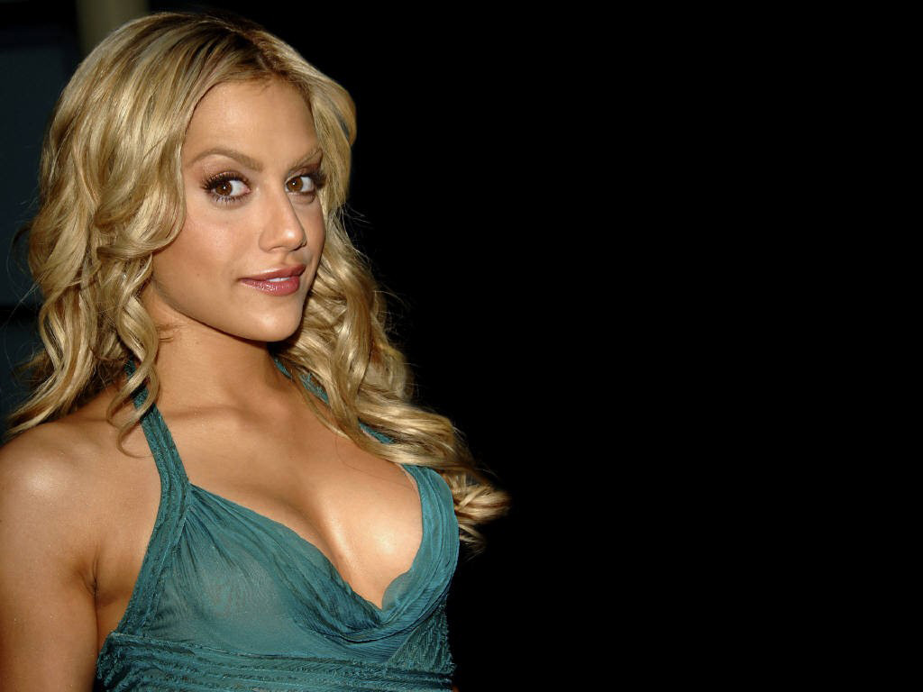 1024x768 - Brittany Murphy Wallpapers 35