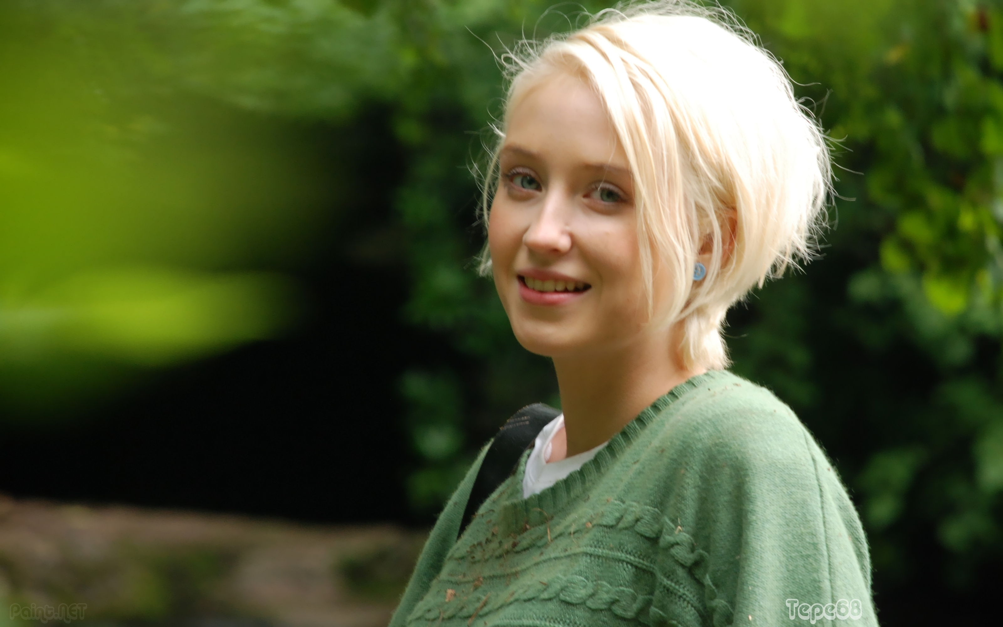 3200x2000 - Lily Loveless Wallpapers 1