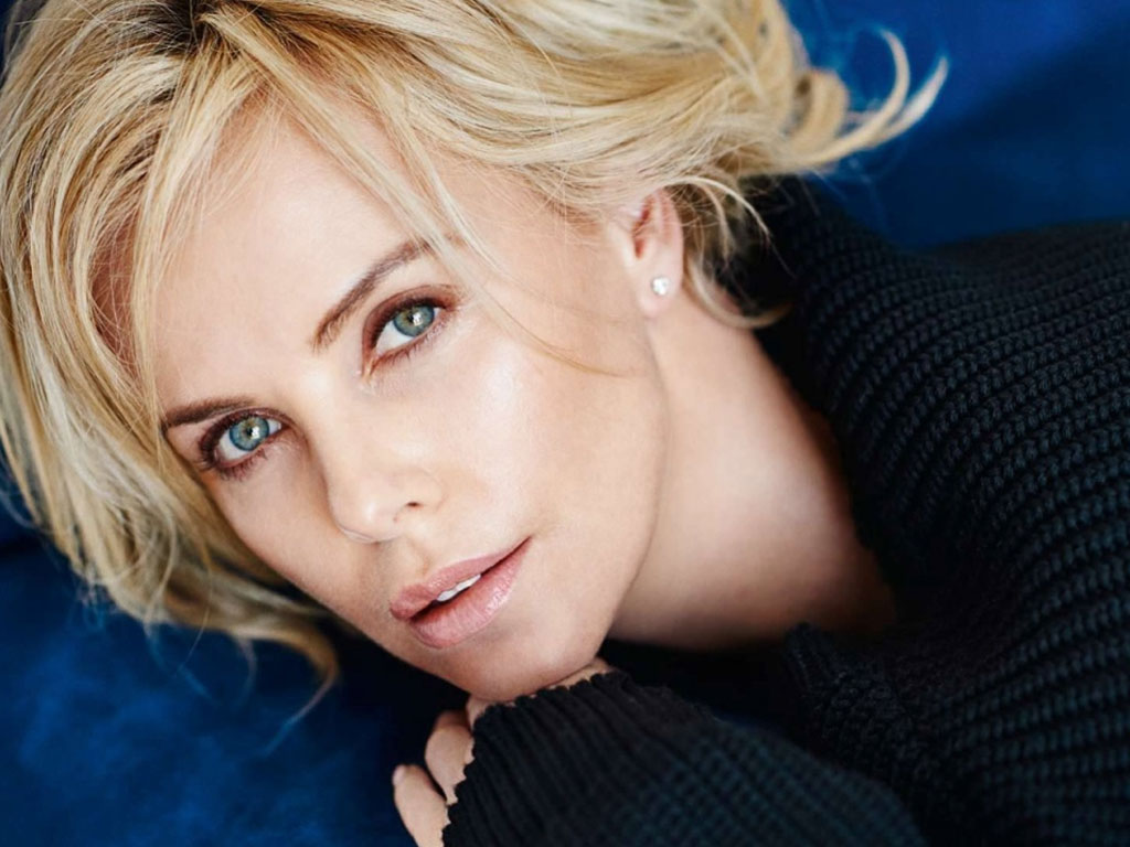 1024x768 - Charlize Theron Wallpapers 19