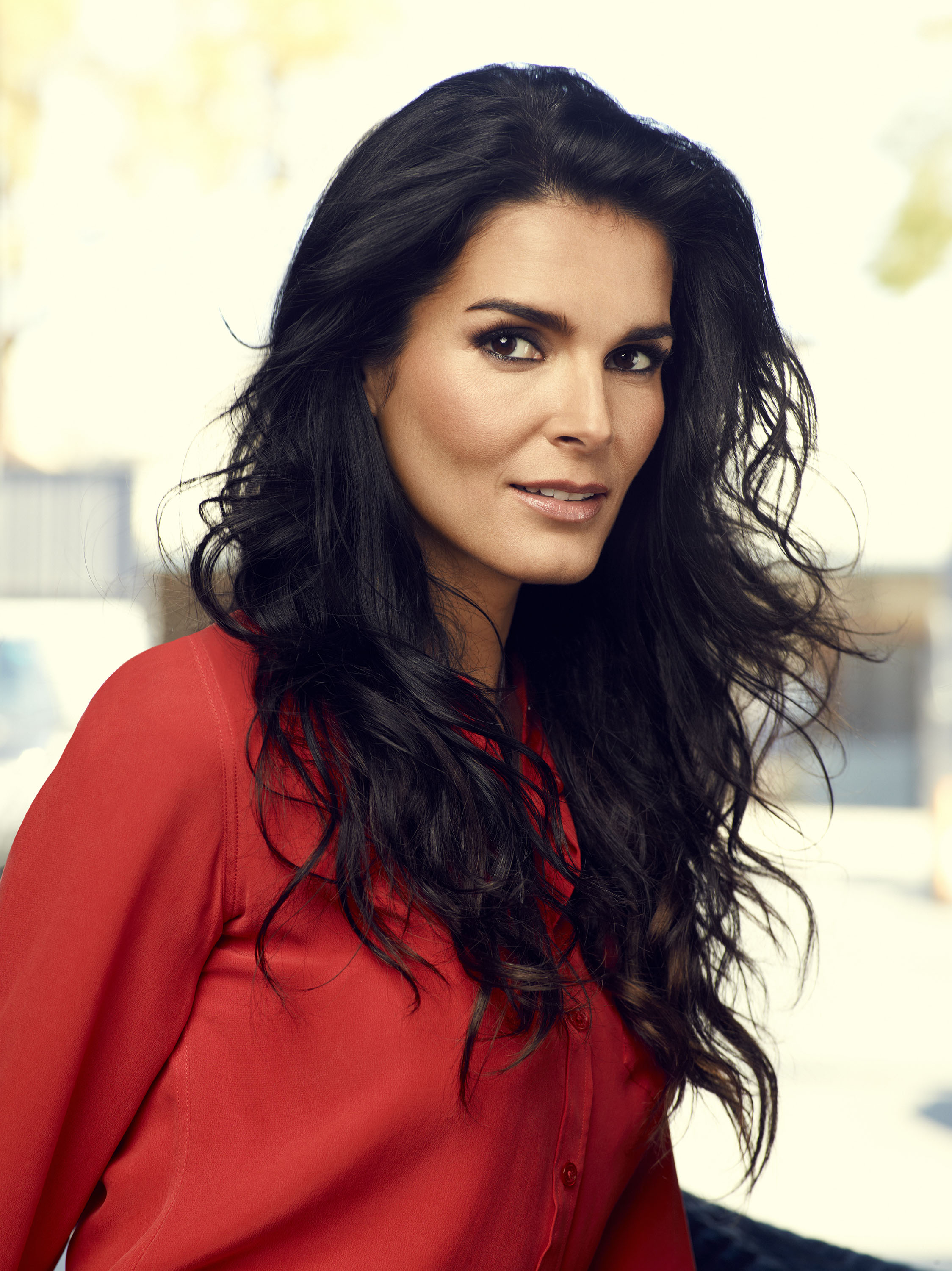 2248x3000 - Angie Harmon Wallpapers 4
