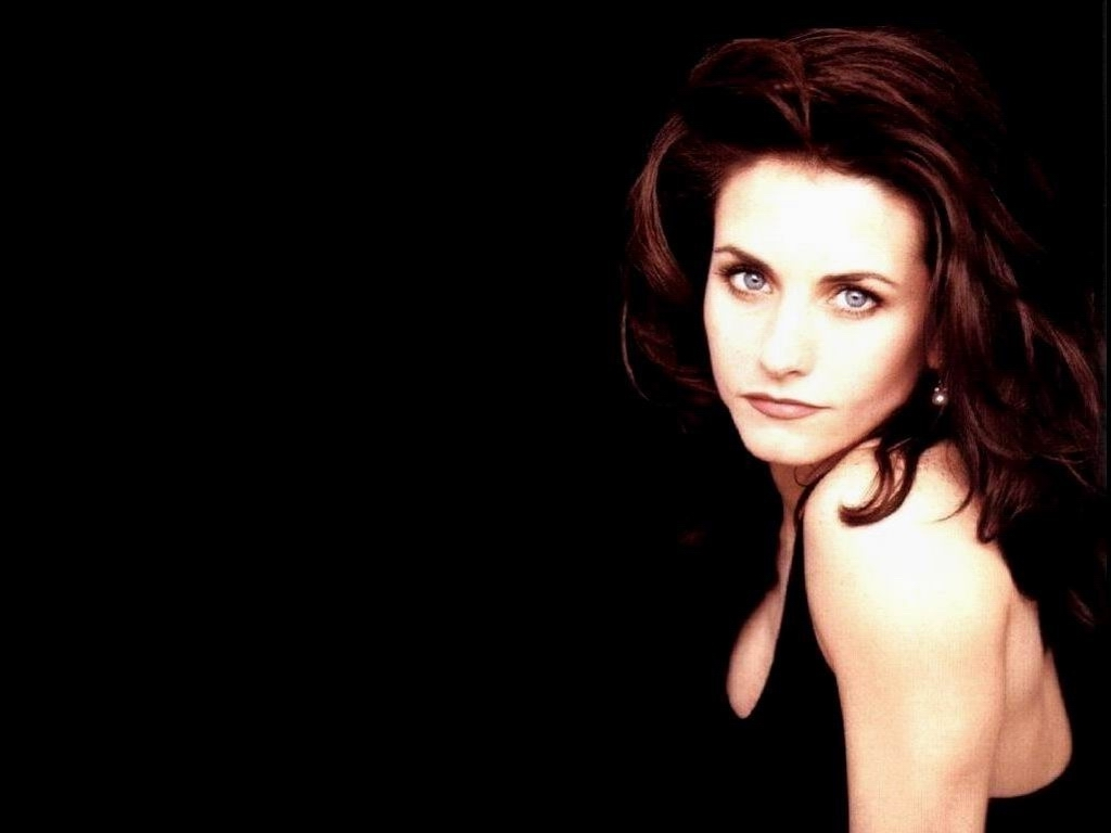 1024x768 - Courtney Cox Wallpapers 13