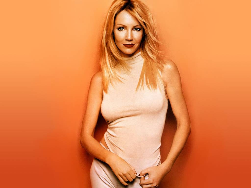 1024x768 - Heather Locklear Wallpapers 17