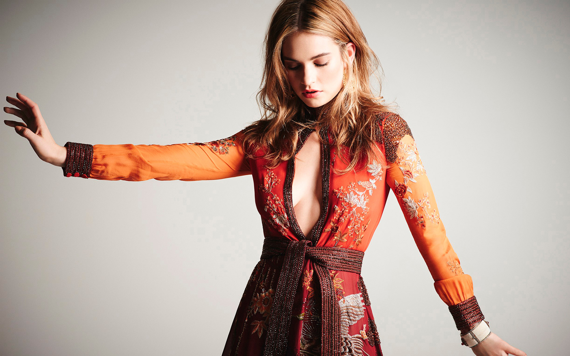1920x1200 - Lily James Wallpapers 30