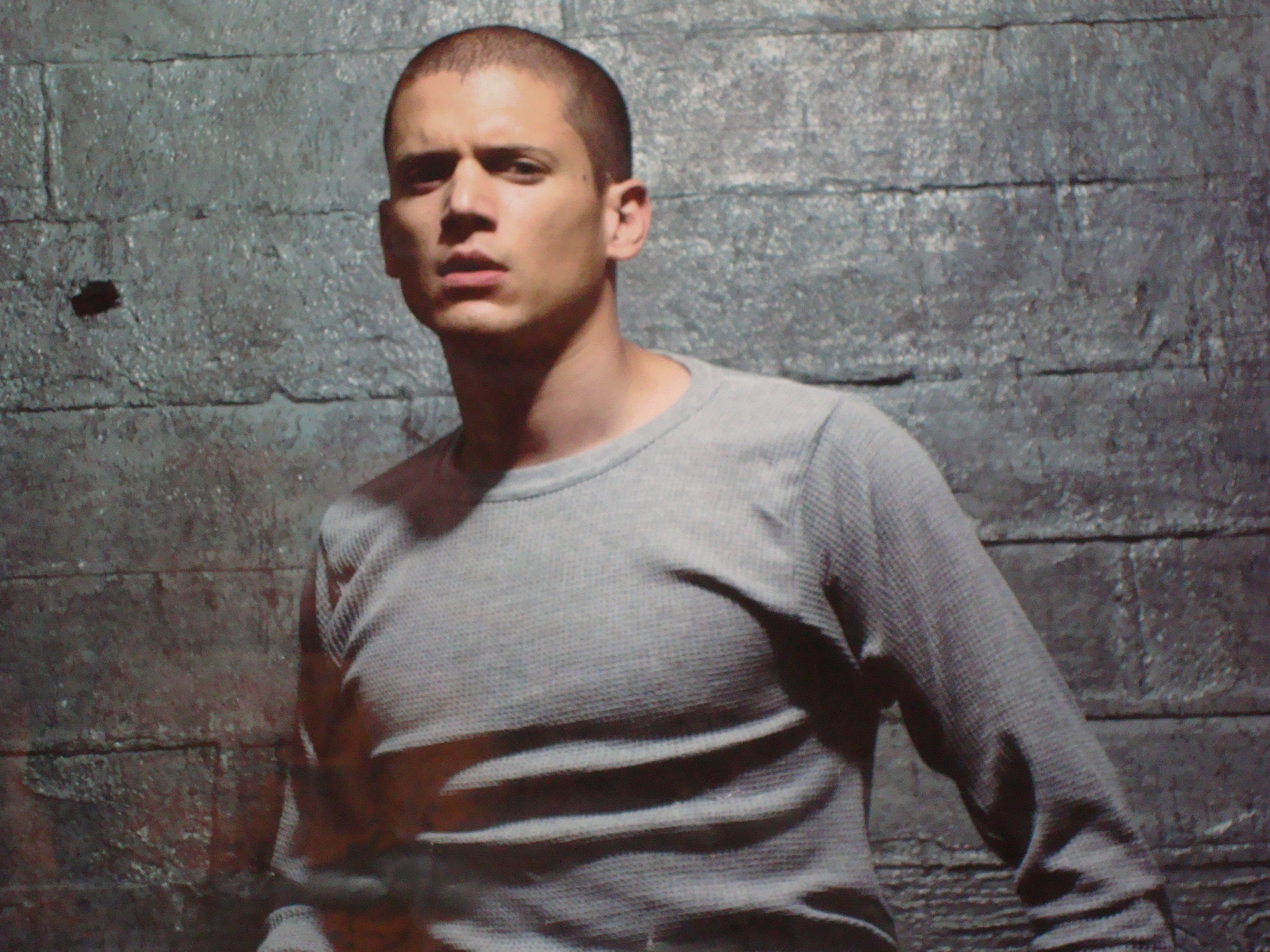 2560x1920 - Wentworth Miller Wallpapers 6