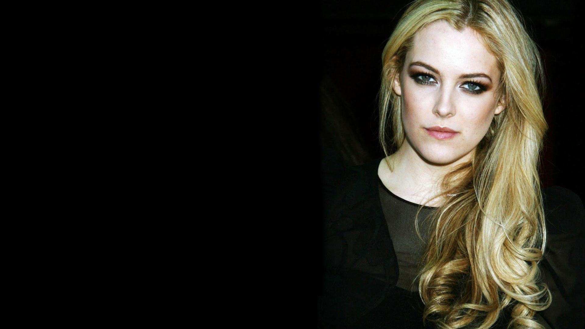 1920x1080 - Riley Keough Wallpapers 24