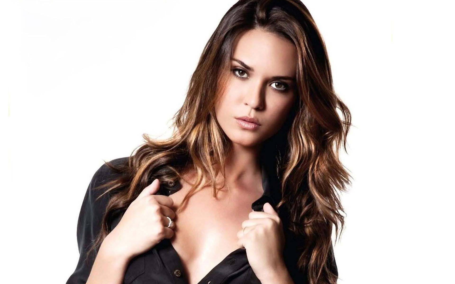1920x1200 - Odette Annable Wallpapers 31