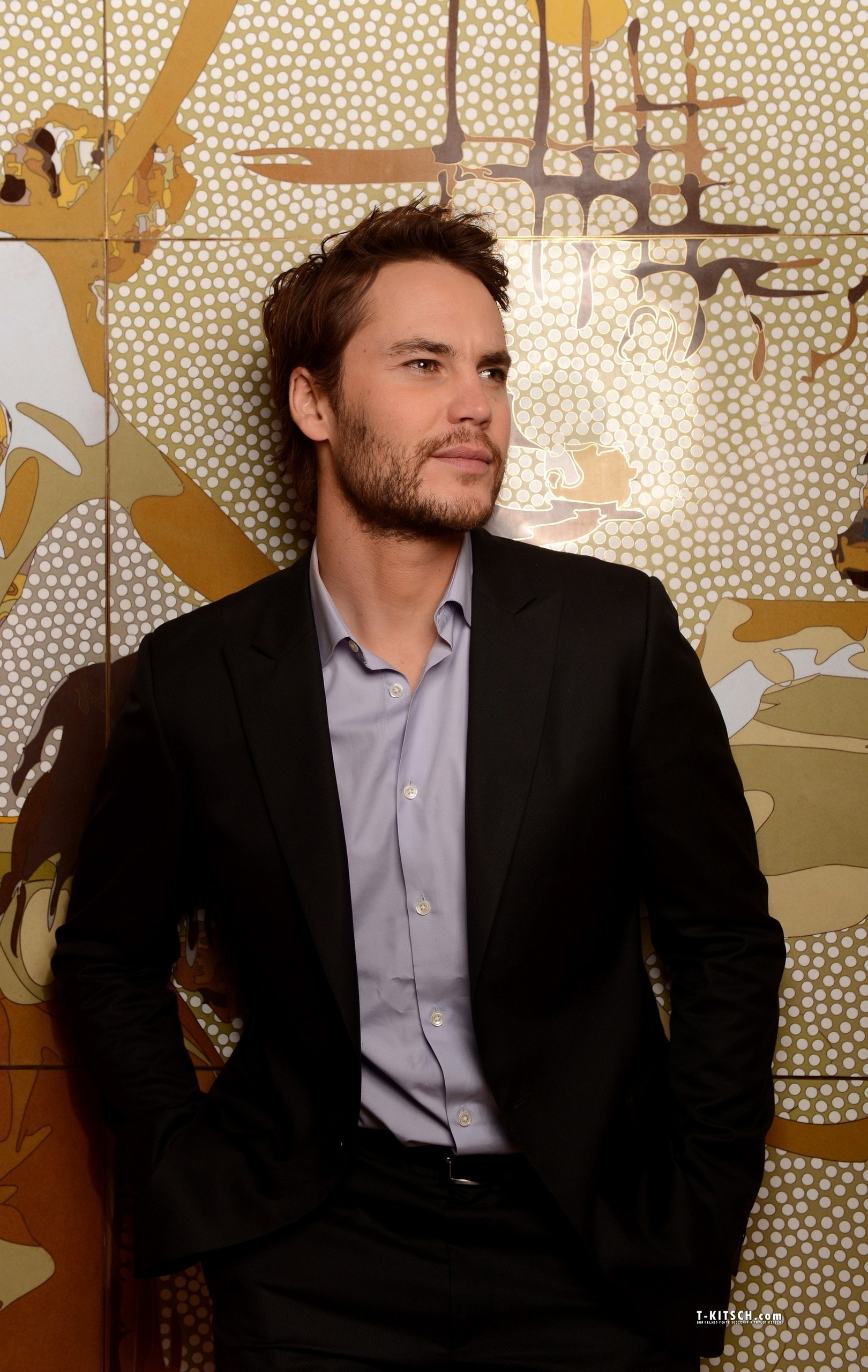 1620x2560 - Taylor Kitsch Wallpapers 1