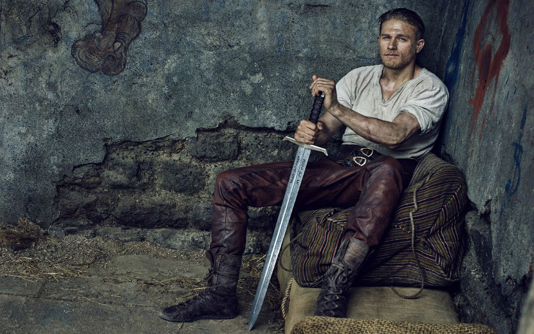 1724x1080 - Charlie Hunnam Wallpapers 9