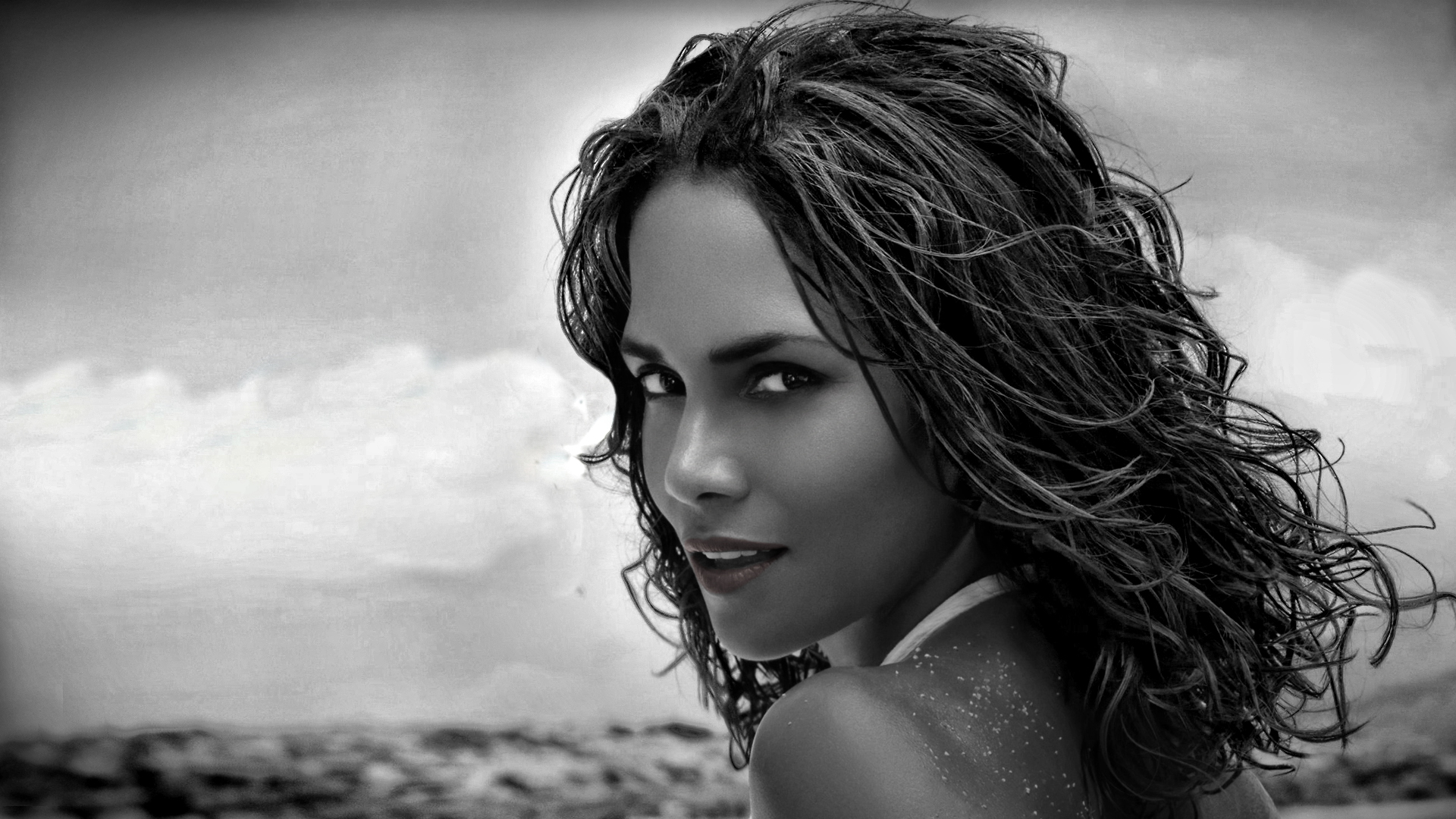 1920x1080 - Halle Berry Wallpapers 28