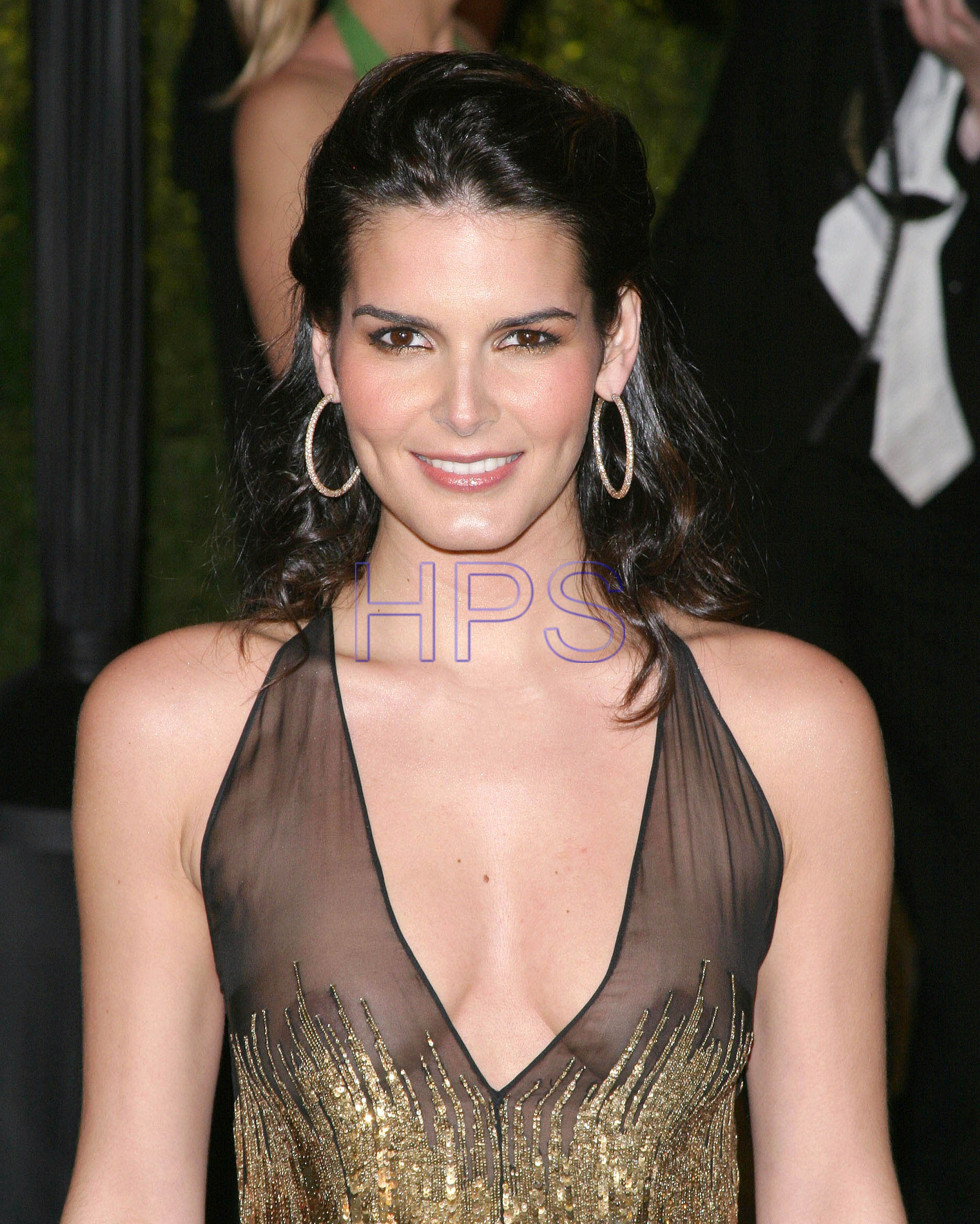2403x3000 - Angie Harmon Wallpapers 21
