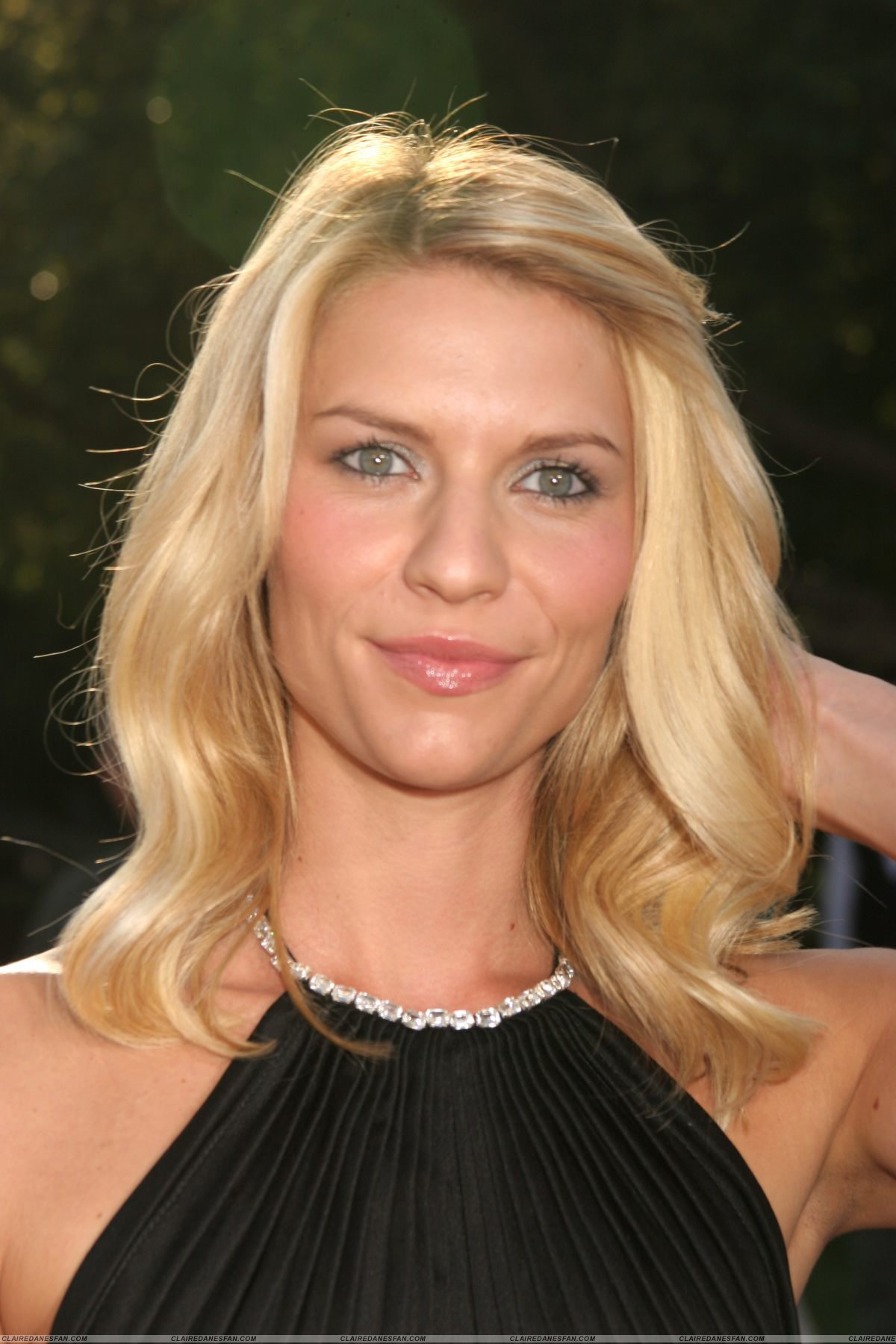 1200x1800 - Claire Danes Wallpapers 36