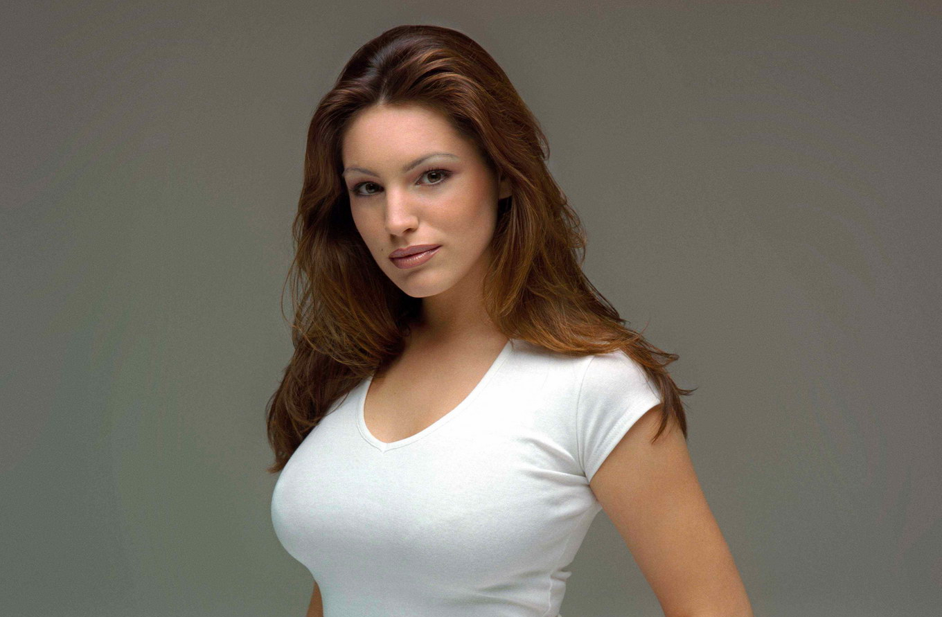 1360x891 - Kelly Brook Wallpapers 26